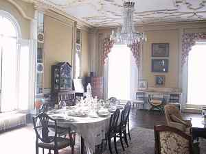 dining room in royal palace film location